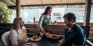 Customer service at a restaurant